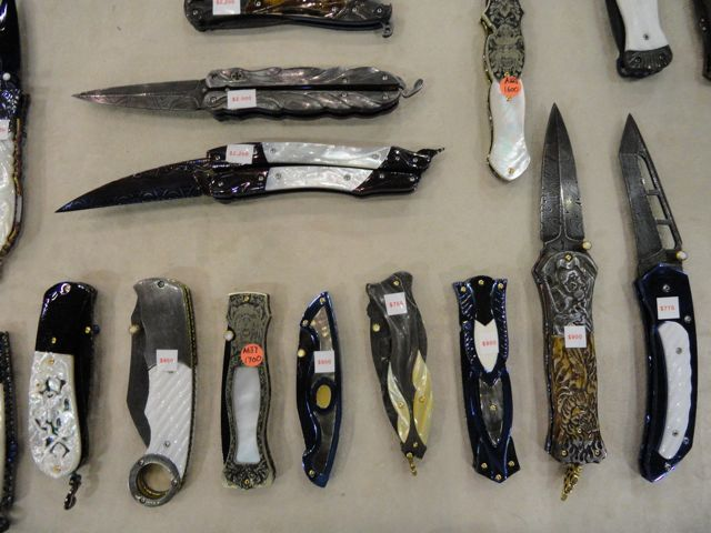 Knives by Suchat Jangtanong